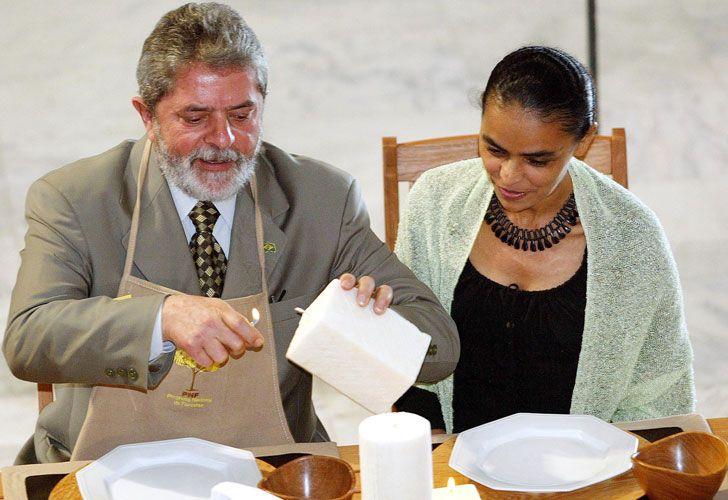 Marina Silva fue ministra de Medio Ambiente durante la gestión de Lula Da Silva y renunció a su cargo y al Partido de los Trabajadores (PT) en 2009.
