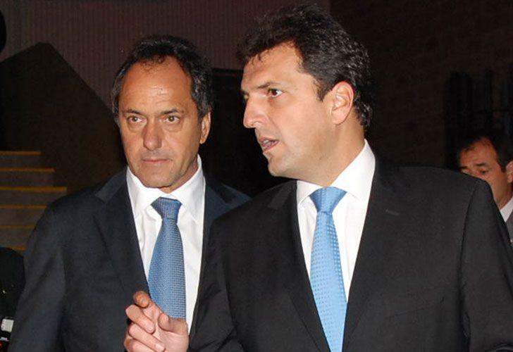 Scioli con Massa en otros tiempos, cuando lejos de competir, trabajaban juntos