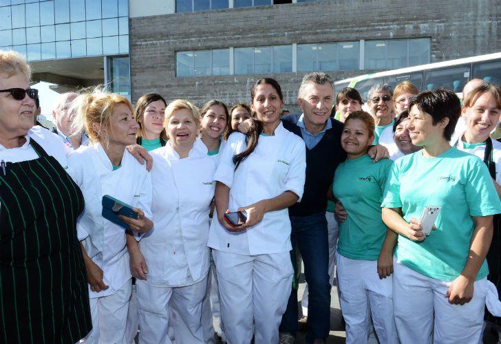 Macri recorrió las instalaciones y saludó a los empleados.