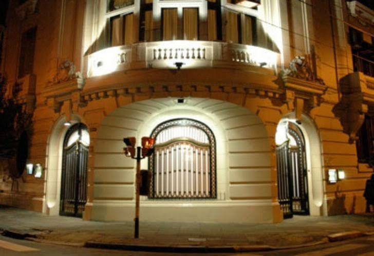 La fachada del Club Sirio Libanés de Buenos Aires, Asociación Civil, cito en la calle Ayacucho 1496, que nada tiene que ver con el juego clandestino