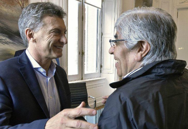 Mauricio Macri junto a Hugo Moyano, en febrero. | Foto: