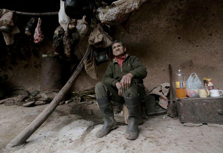 Pedro Luca ha vivido en una cueva en el norte de Argentina durante 40 años .