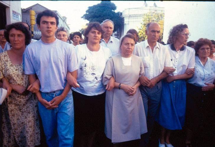 Elías Morales junto a su esposa y a la hermana Martha Pelloni, en una de las
