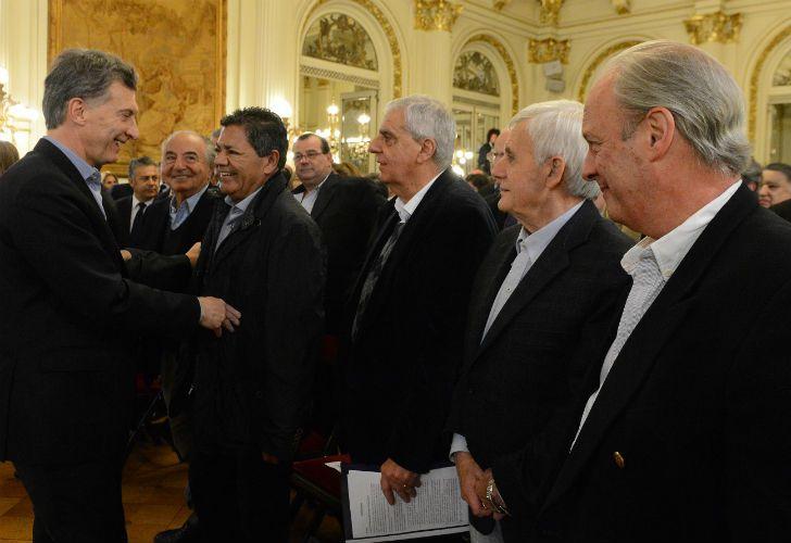El Presidente y los principales referentes sindicales, en la Casa Rosada.