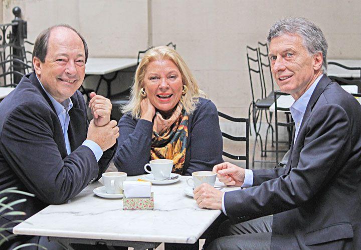 'El metido' Sanz, según –¿la celosa?– Carrió, entre ella y Macri.