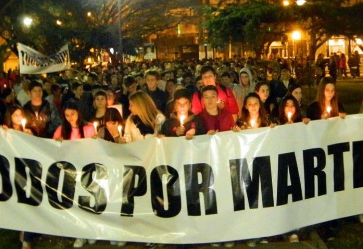 Familiares y amigos del joven asesinado en Escobar reclamaron Justicia durante una marcha.