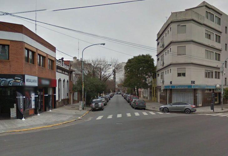 El explosivo fue encontrado en un contenedor ubicado en la calle Roseti al 1000.