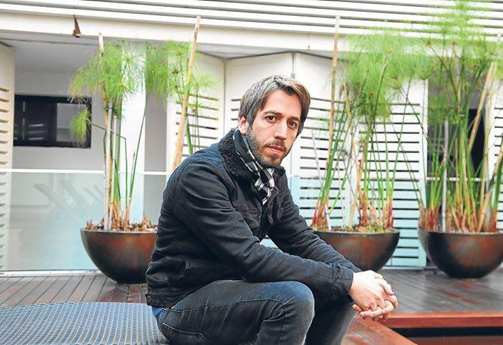 Sincero. Martín Piroyansky, actor y director, sostiene que le resultaría agotador grabar una tira tantas horas diarias.