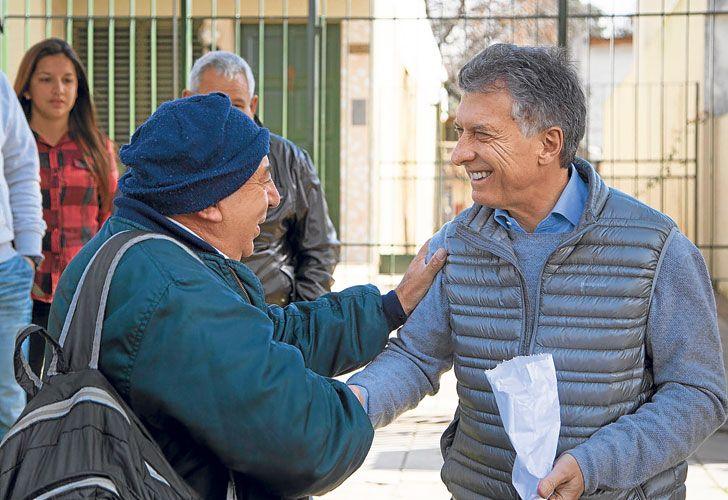 'Timbreo'. Macri salió ayer a la calle, en sintonía con la imagen que busca mostrar el oficialismo.
