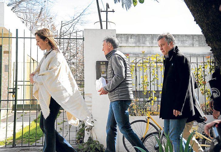 En fila. Vidal, el Presidente y el secretario general De Andreis, durante la recorrida por San Miguel.