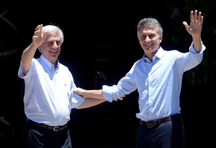 Mauricio Macri y Tabaré Vázquez se comunicaron telefónicamente.