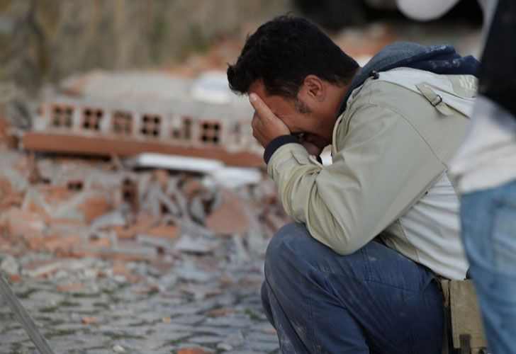 La mayoría de los habitantes de las localidades más afectadas deambula por las calles, sin casa.