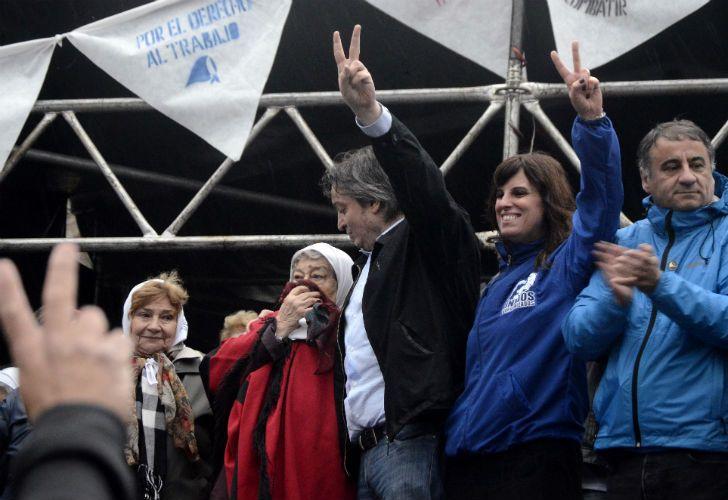 Máximo Kirchner y Hebe de Bonafini cerraron la Marcha de la Resistencia