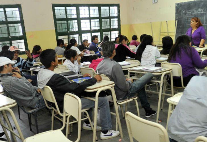 El nuevo programa Jornada Completa agregará 9 horas semanales a las escuelas de la ciudad.