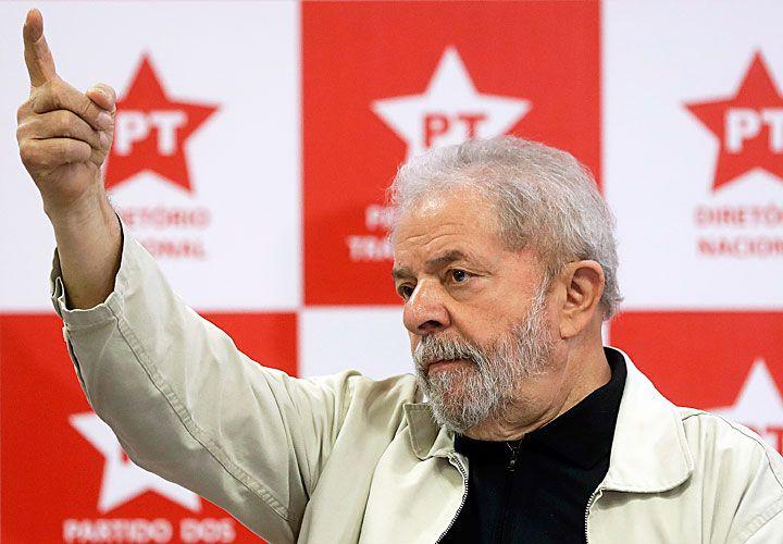 momento bisagra. Lula da Silva asistió ayer a una reunión de la conducción nacional del PT en San Pablo para delinear la estrategia a seguir en las próximas semanas. Se centrarán en el reclamo de un llamado a las urnas.