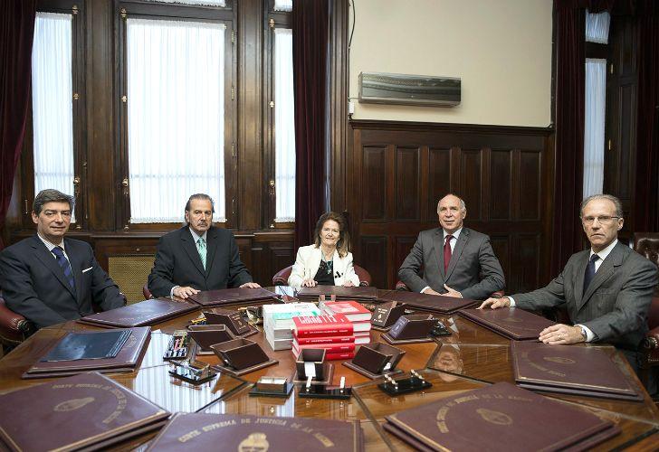 La Corte Suprema, con su conformación completa.