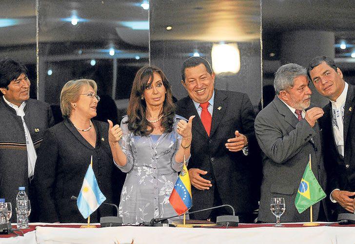 Cambio de mando. Protagonistas –en muchos casos– de otros tiempos en América Latina.