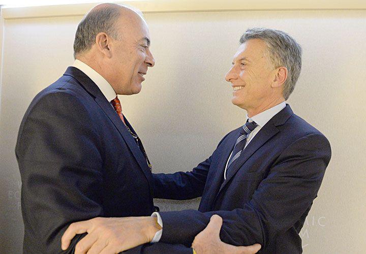 FLUIDEZ. En Davos le anunció inversiones.