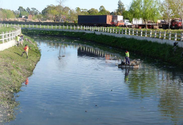 Arroyos de Quilmes, durante la limpieza.