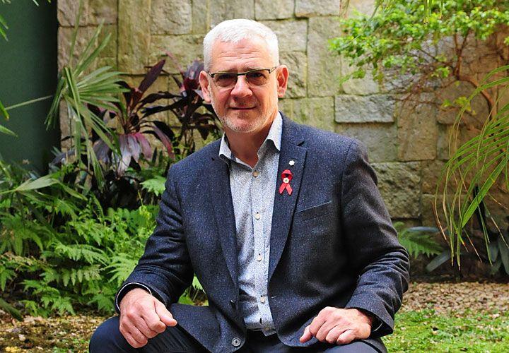 Emigrado. Reconocido mundialmente por su estrategia para controlar el VIH, este médico argentino vive en Canadá desde 1981.