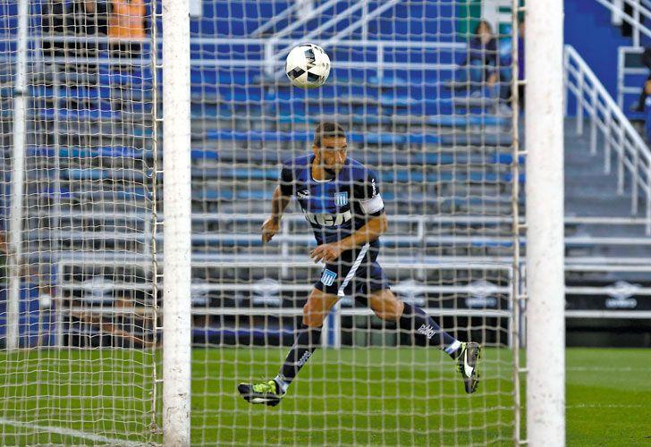 El capitan gol. Licha López volvía después de una lesión, y se lució: una asistencia y un gol.