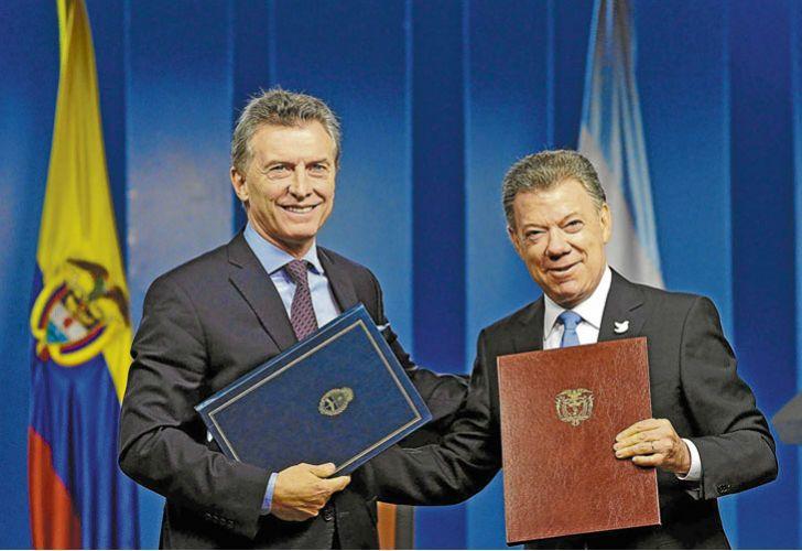 Mauricio Macri irá a Colombia para acompañar a Santos en la firma del tratado de paz.