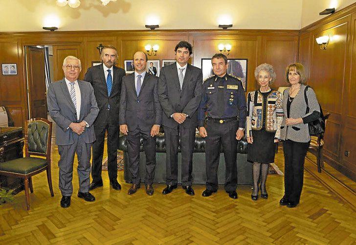Apoyo. Los miembros de Casación, con el comisario Roncaglia.