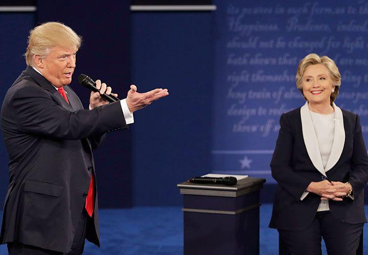 Candidatos. Hillary Clinton y Donald Trump en el segundo debate presidencial.