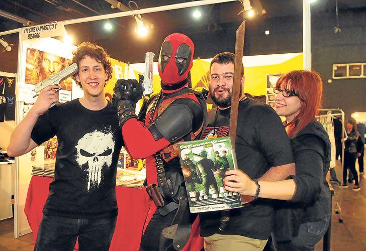 Fans. Con Deadpool, el superhéroe con nueva película este año (arr).