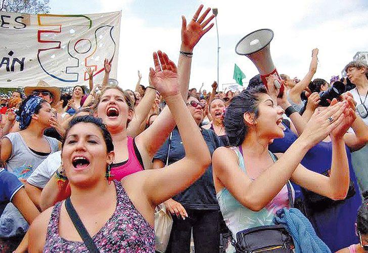 Miles. De la primera convocatoria, en 1985, participaron mil mujeres. En Rosario, del 8 al 10 de octubre, se congregaron al menos setenta mil, llegadas de todo el país.