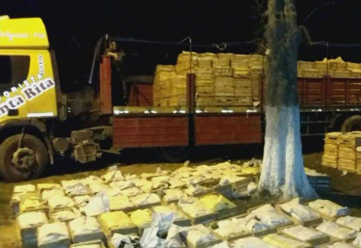 El camión de carga  con la droga, de origen paraguayo, fue interceptado en la localidad de Laguna Naineck, a 45 kilómetros de Clorinda.