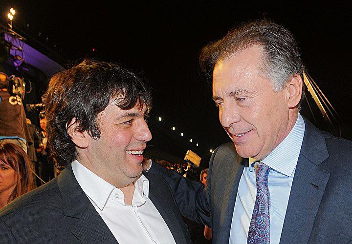Otros tiempos. López se quedaría con la constructora, De Sousa, con los medios y la petrolera.