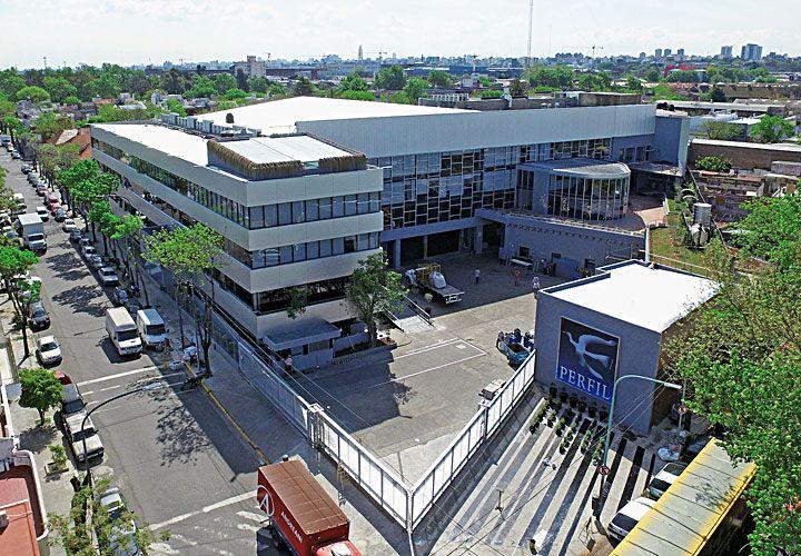 INSTALACIONES. El nuevo edificio en el barrio de Barracas contempla espacios para las dos TV.