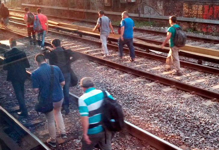 Tren Sarmiento sin servicio