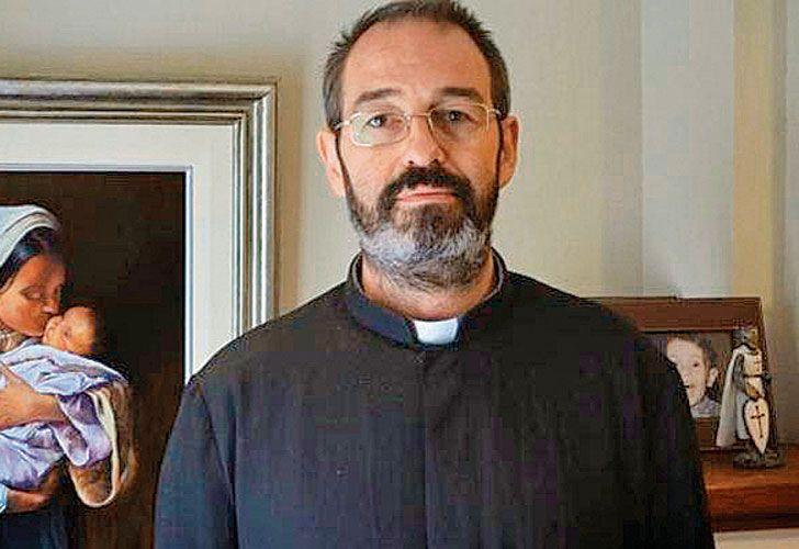 Exodo. El religioso vive hoy en Erbil, en el Kurdistán. Dice que cientos de miles de personas han perdido sus hogares en las zonas de guerra.
