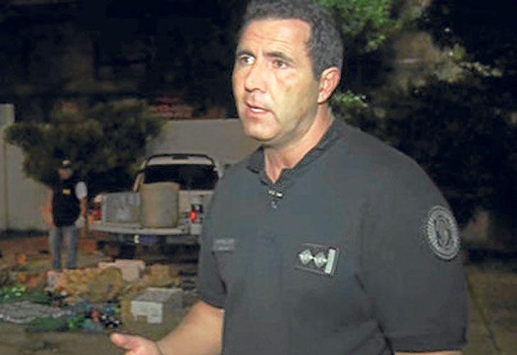 Arrestos. El subcomisario Avallay (izq.) y el comisario Héctor Palacio (der.) también están acusados por asociación ilícita.