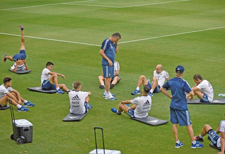 Bauza. El avión de Brasil se retrasó y el técnico de la Selección les dio descanso a los jugadores.