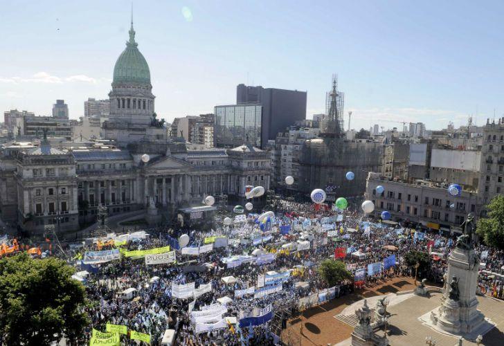 El Congreso repleto por la marcha de la CGT y las organizaciones sociales.