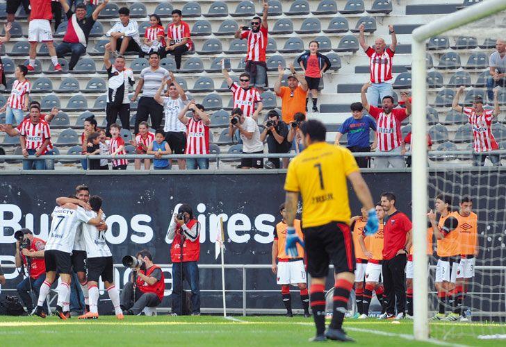Viatri. Así festejó su gol. El equipo de Nélson Vivas no brilla pero gana. Una gran racha.