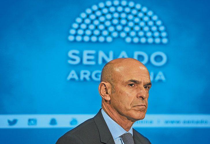 """El jefe. Apodado """"el Negro"""", el amigo presidencial Gustavo Arribas supervisó la llegada de los nuevos espías."""