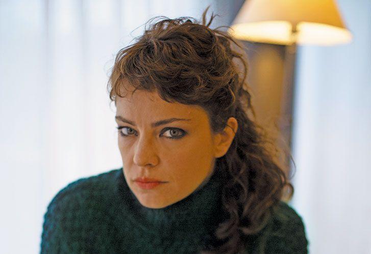 """Conflicto. Fonzi define a la hija del poder de La cordillera como """"mono con navaja""""."""