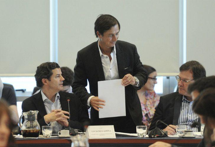 El macrista Luciano Laspina, presidente de la comisión de Presupuesto, intentó seducir a los representantes de la oposición con una serie de cambios
