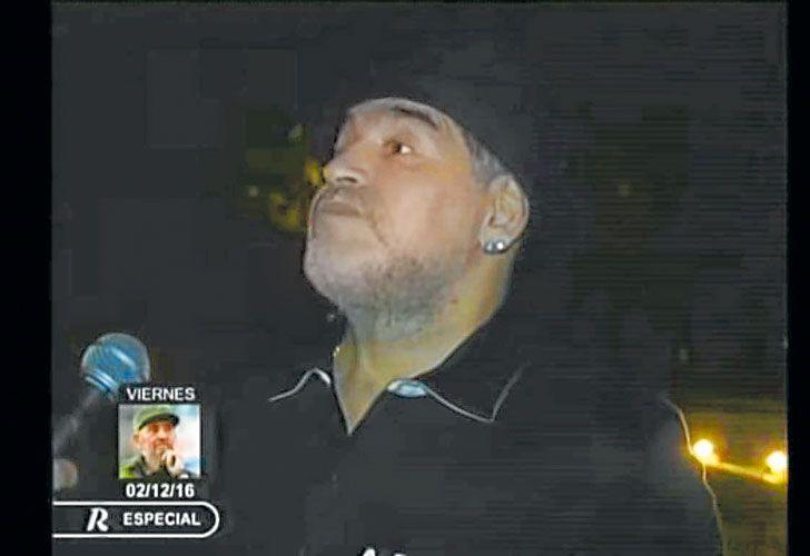 Entrevista. El Diez habla con la televisión cubana el jueves por la noche, al llegar a La Habana.