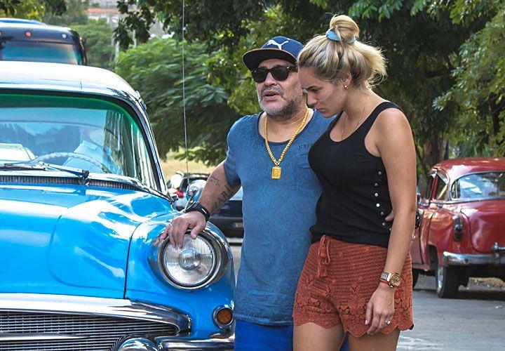 temprano. Maradona y Rocío recién llegados a Cuba el viernes.