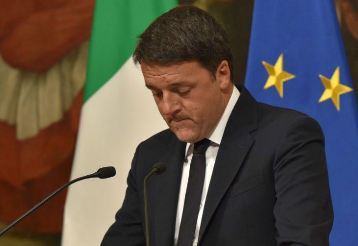 Matteo Renzi, primer italiano, dejará su cargo por el referéndum.