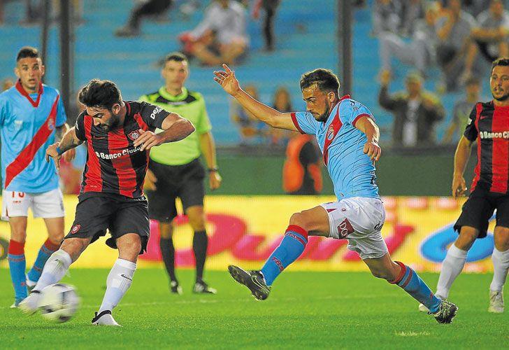 Cauteruccio. Junto a Blandi, es el goleador de San Lorenzo, con cinco tantos.