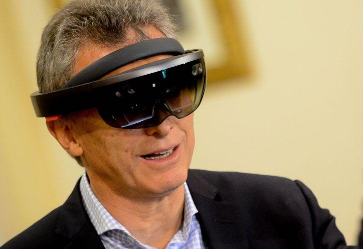 Macri visitó obras públicas con hologramas de alta definición