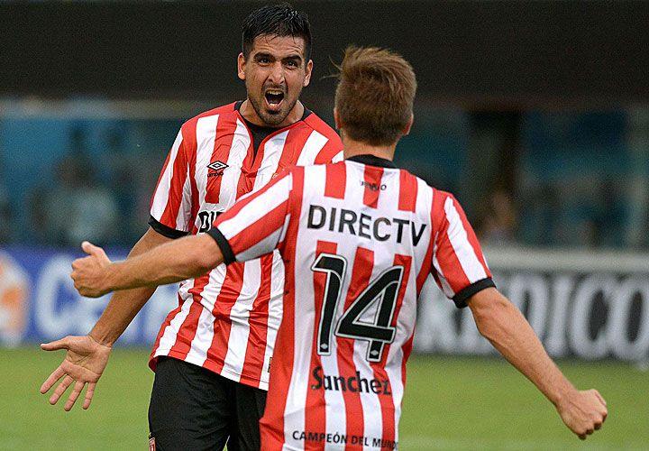 viatri. El ex Boca viene de hacerle dos goles a San Martín, partido que terminó en derrota.
