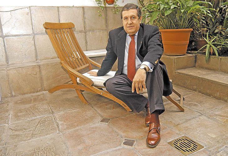 Mandatario. En 2001, sucedió a De la Rúa y le pasó la cinta a Rodríguez Saá.