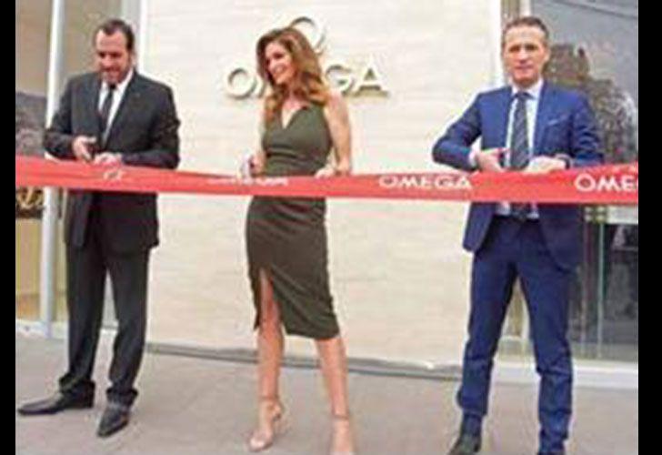 Cindy Crawford estuvo presente en la nueva OMEGA Boutique.